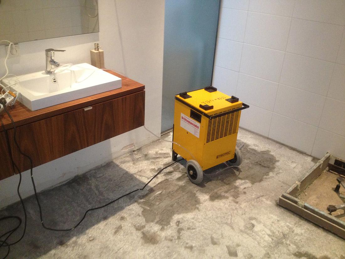 Lekkage badkamer. Wat te doen? | Waterschade.eu