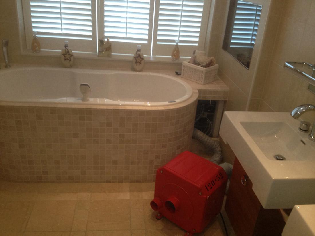 Badkamer Lekkage Verzekering : Lekkage badkamer wat te doen waterschade eu